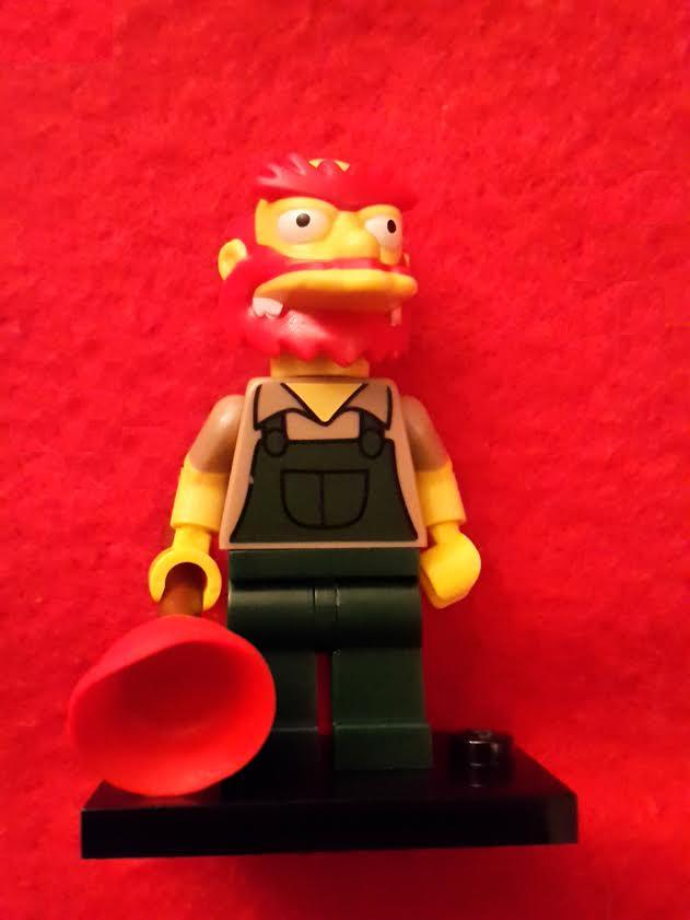 Lego Minifigures - The Simpsons S2 - Grounds Keeper Willie